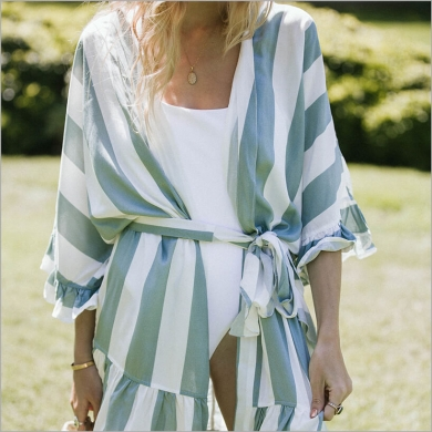 plum-pretty-sugar-flutter-robe