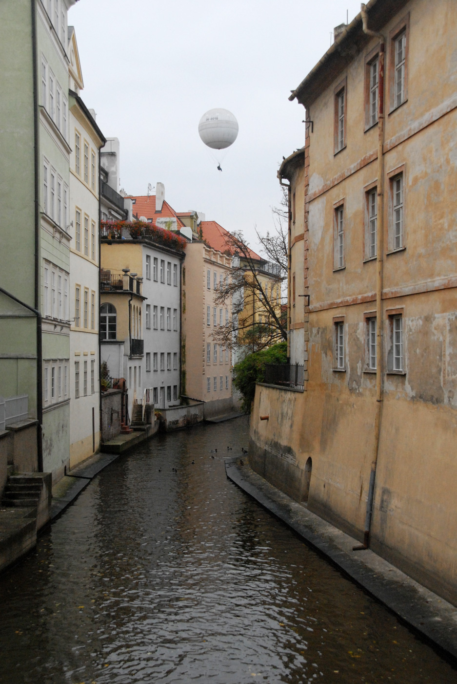 Prague_Balloon_web2016.jpg