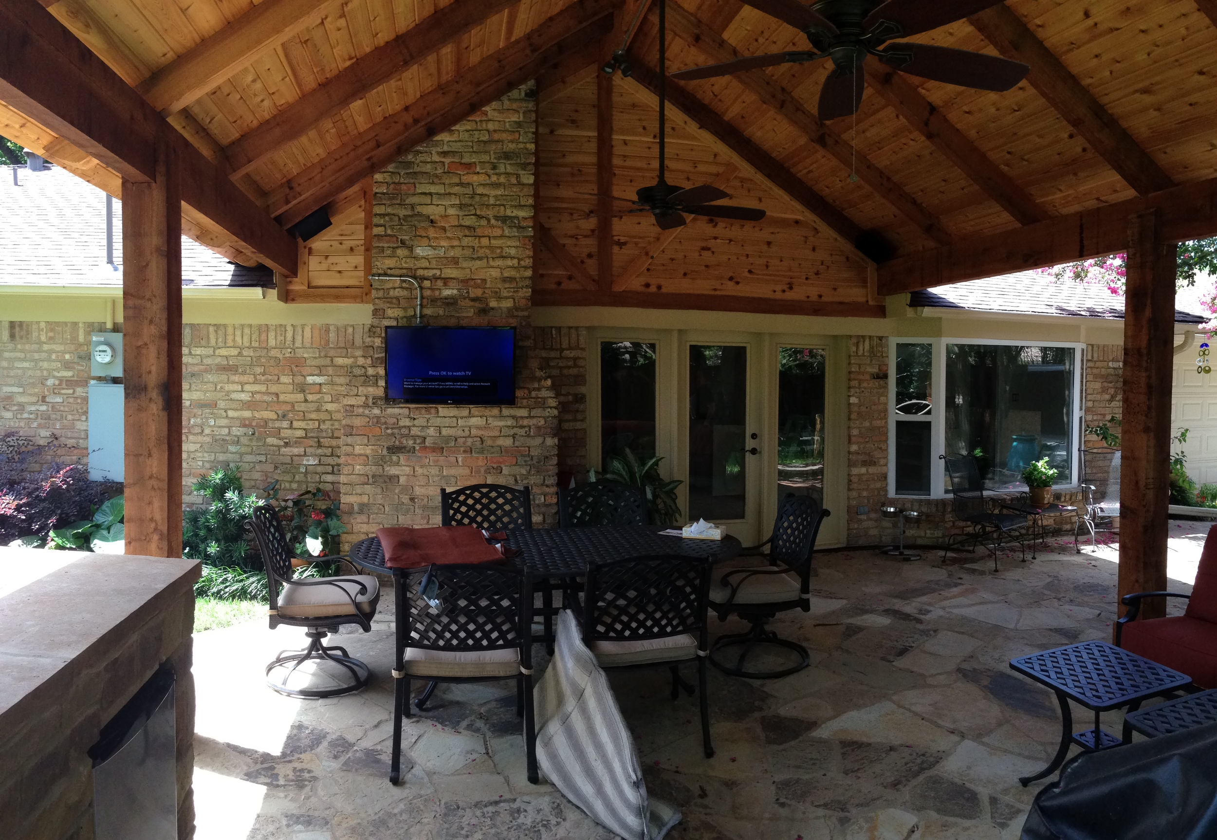 Digital Concepts - Outdoor - TV 2.jpg