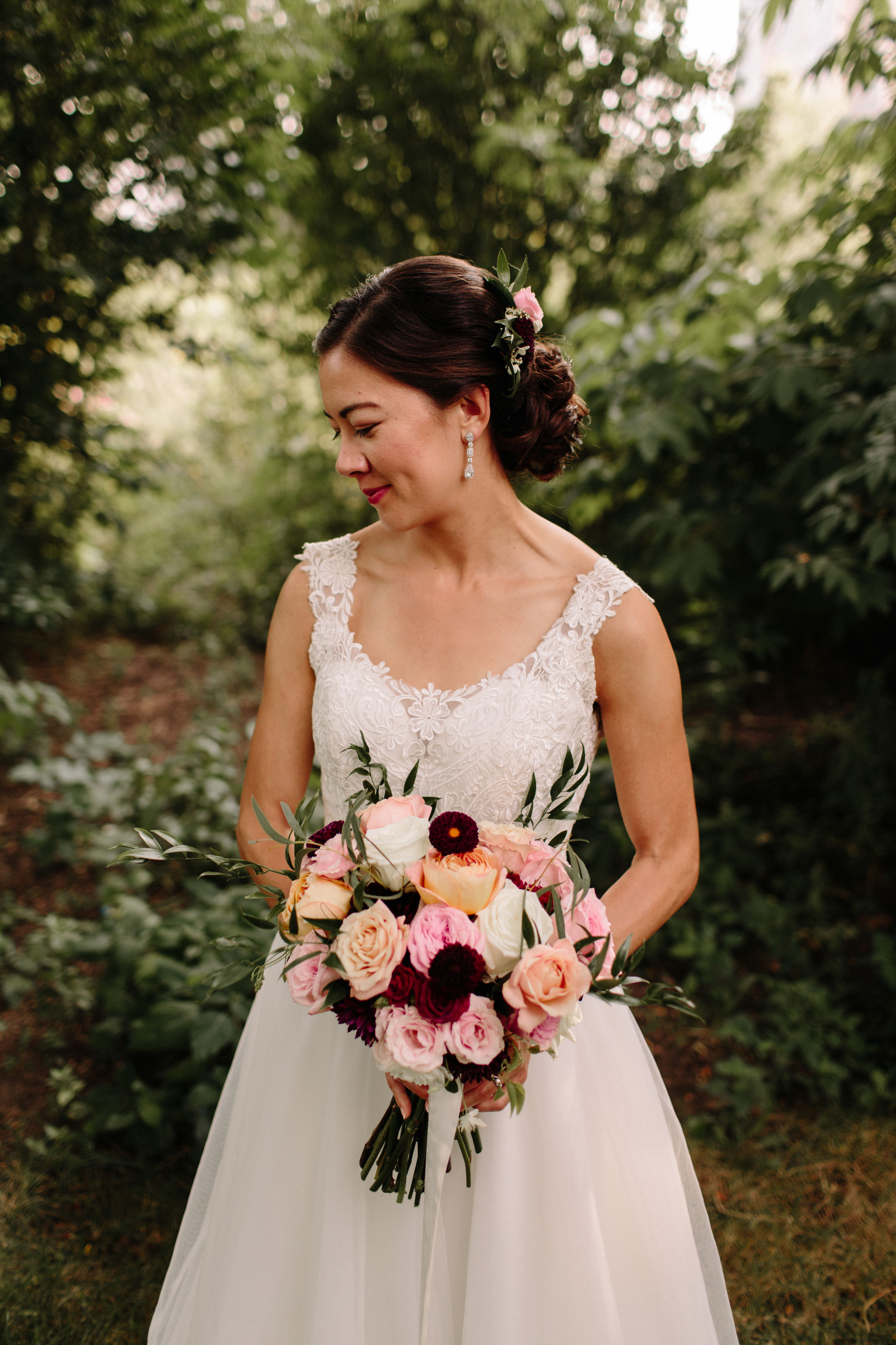 Image by  Erika Mattingly Photography . Floral by  Heirloom Event Co.