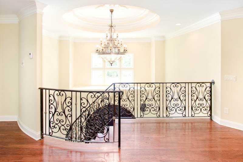 dannenburg res-curved stair.jpg