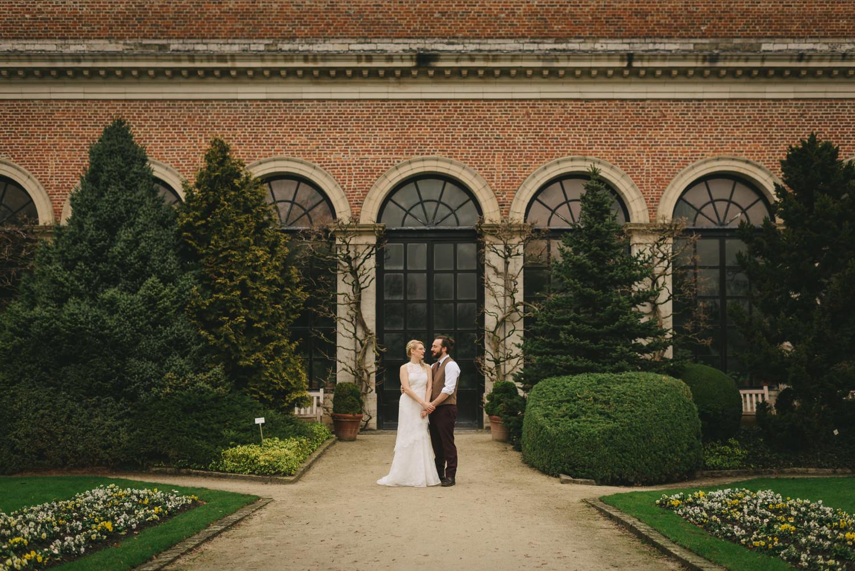 Destination wedding photographers Leuven, Brussels, Belgium.  Elise and Jens wedding. Abbey Herkenrode wedding. Leuven Botanical Gardens, Kruidtuin