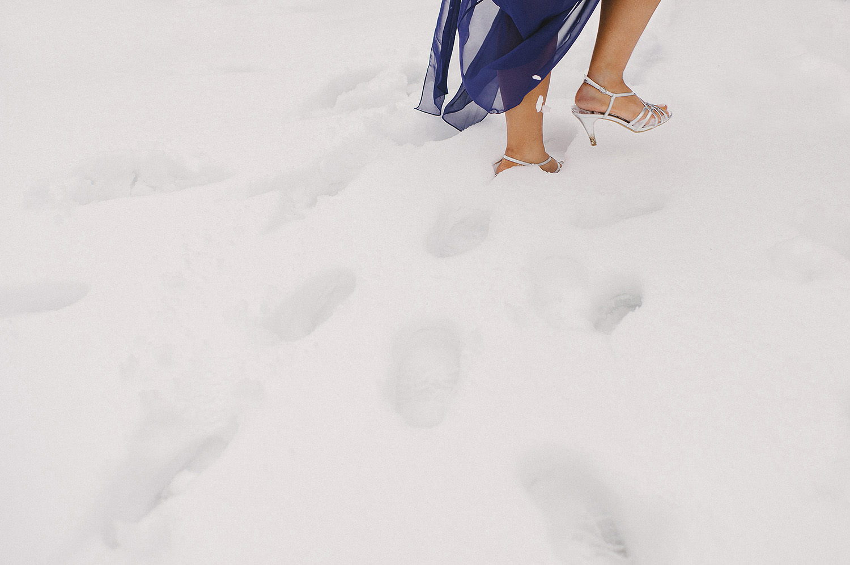 Winter Wedding guide.  How to plan a winter wedding. Winter wedding ideas.