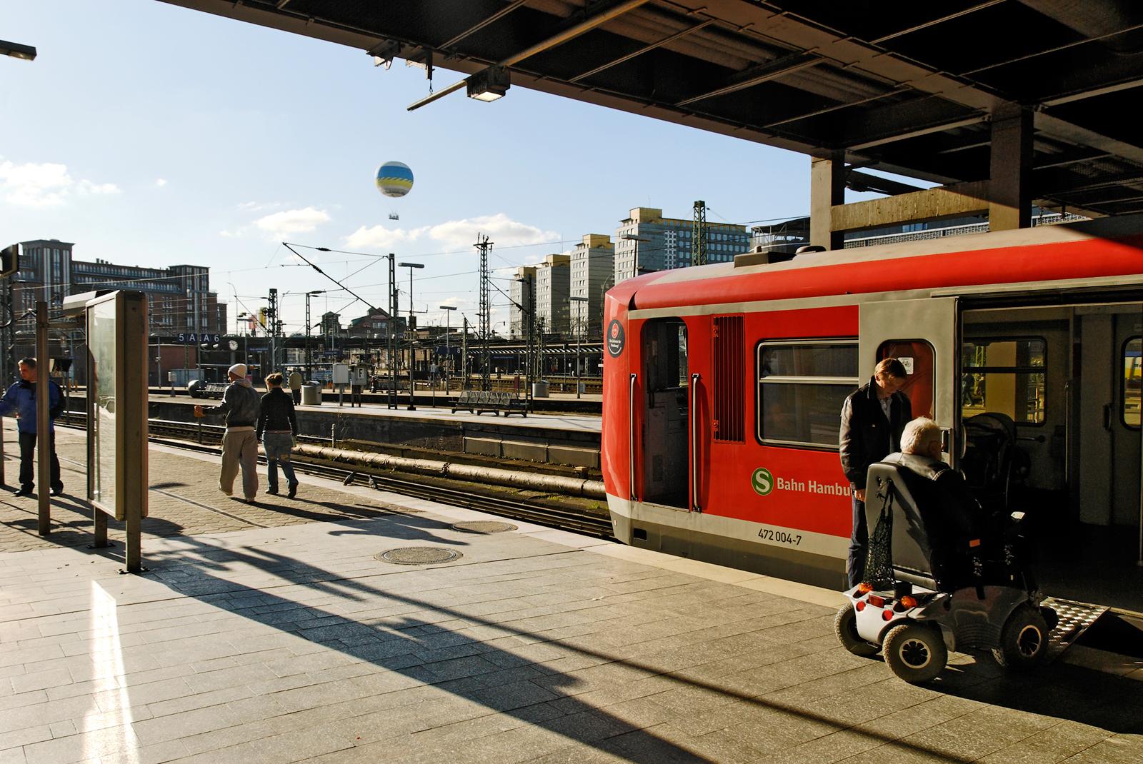 Hamburg-Hauptbahnhof2718.jpg