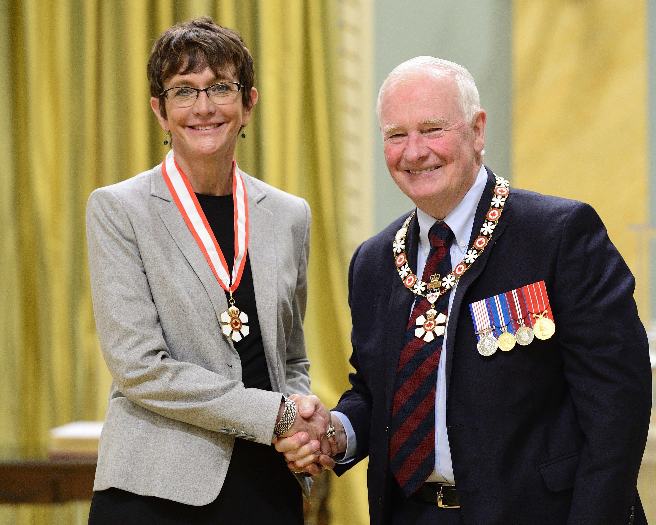 Professor Brenda Andrews with Governor General David Johnston (Photo by Vincent Carbonneau)