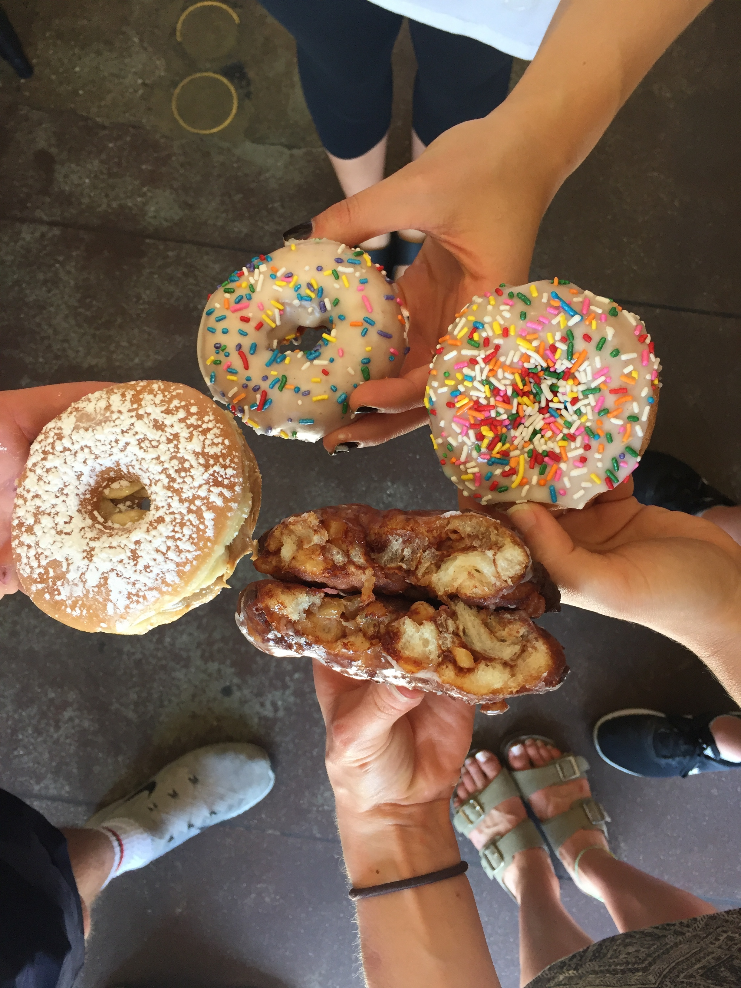 Oh, hey look. More Donut Friend. And more friends! ( @beazysbites ,  @constancelyeating ,  @emilieeats )