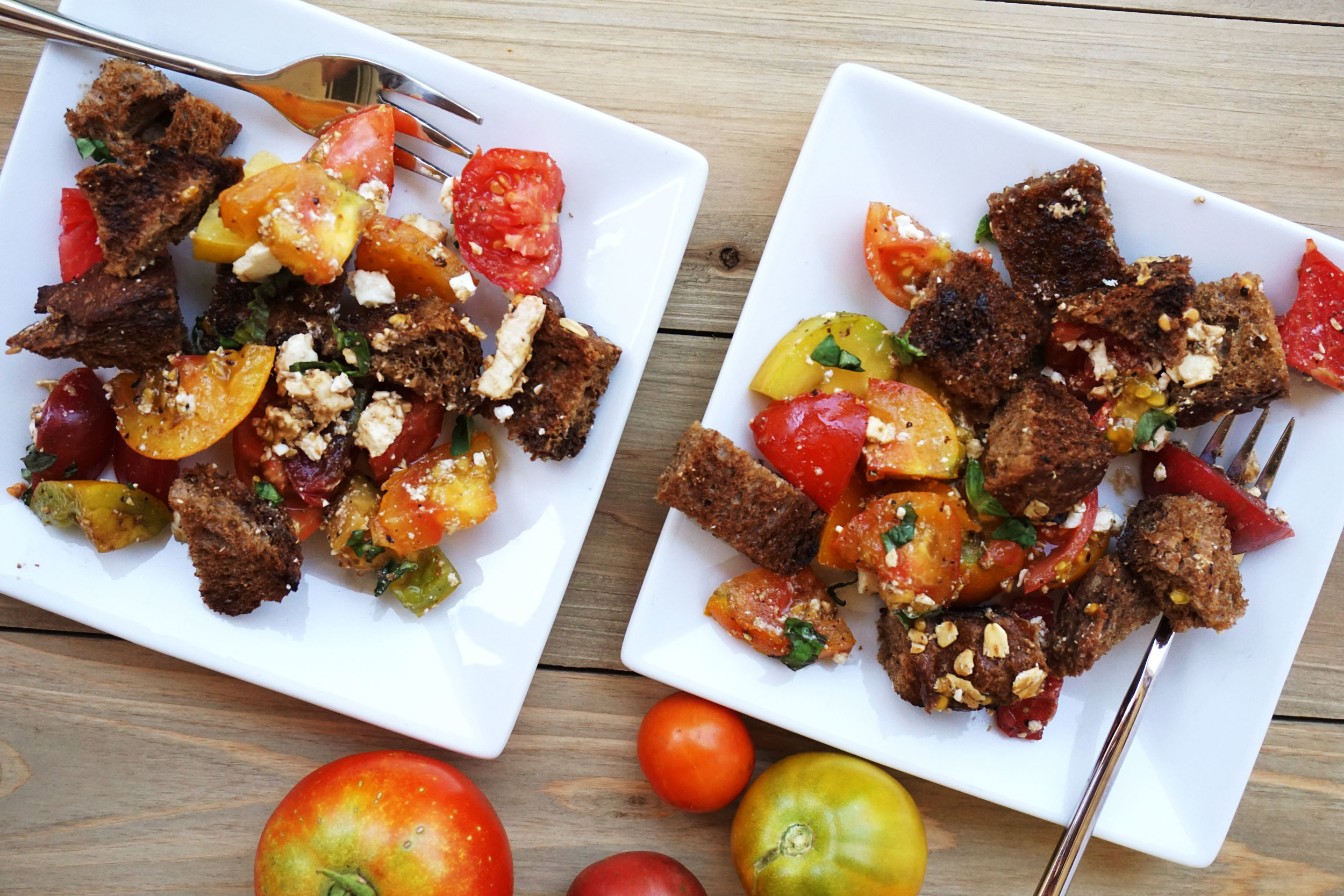 Simple Summer Panzanella Salad