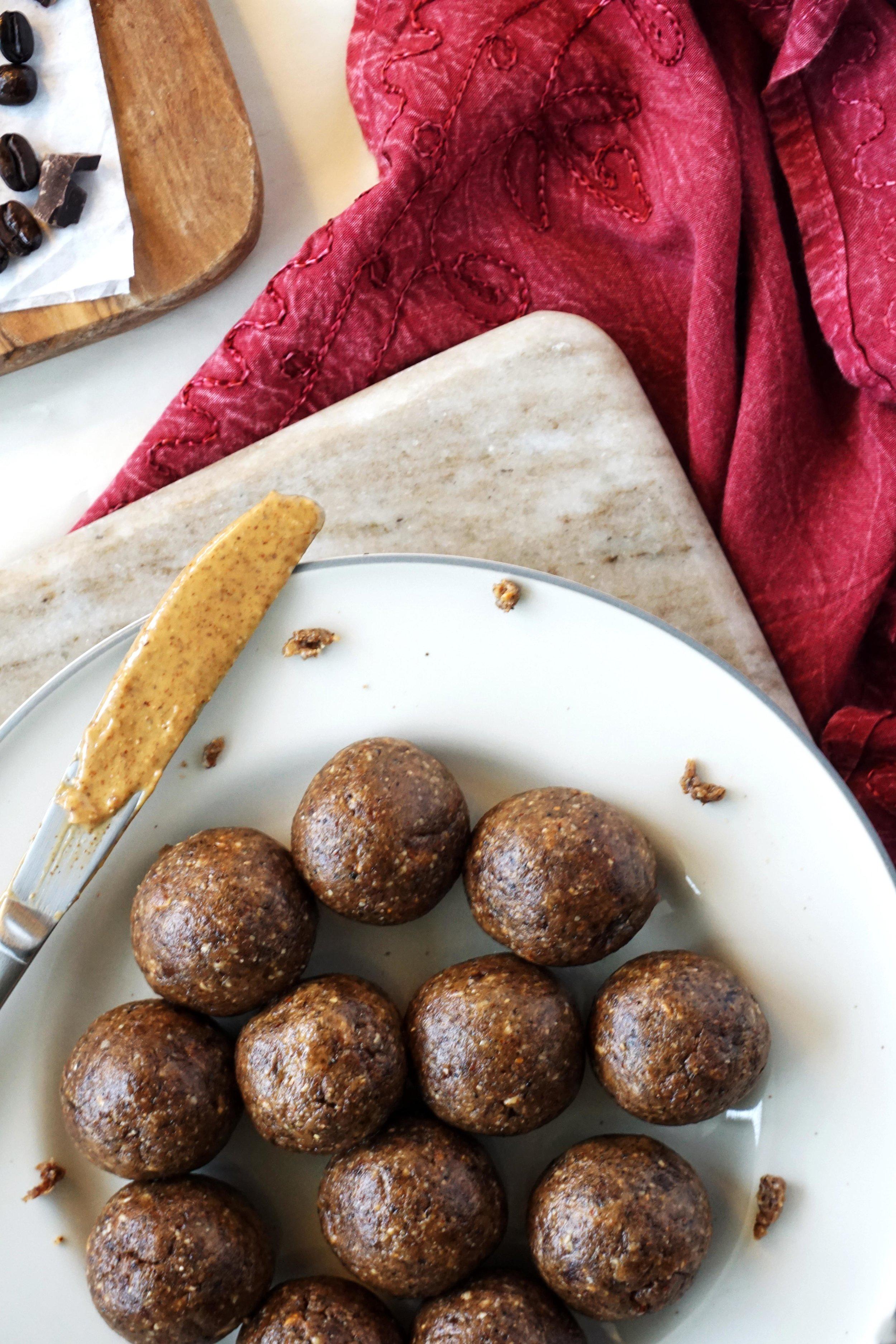Almond Mocha Truffles (Grain-free, Date-sweetened, Vegan)
