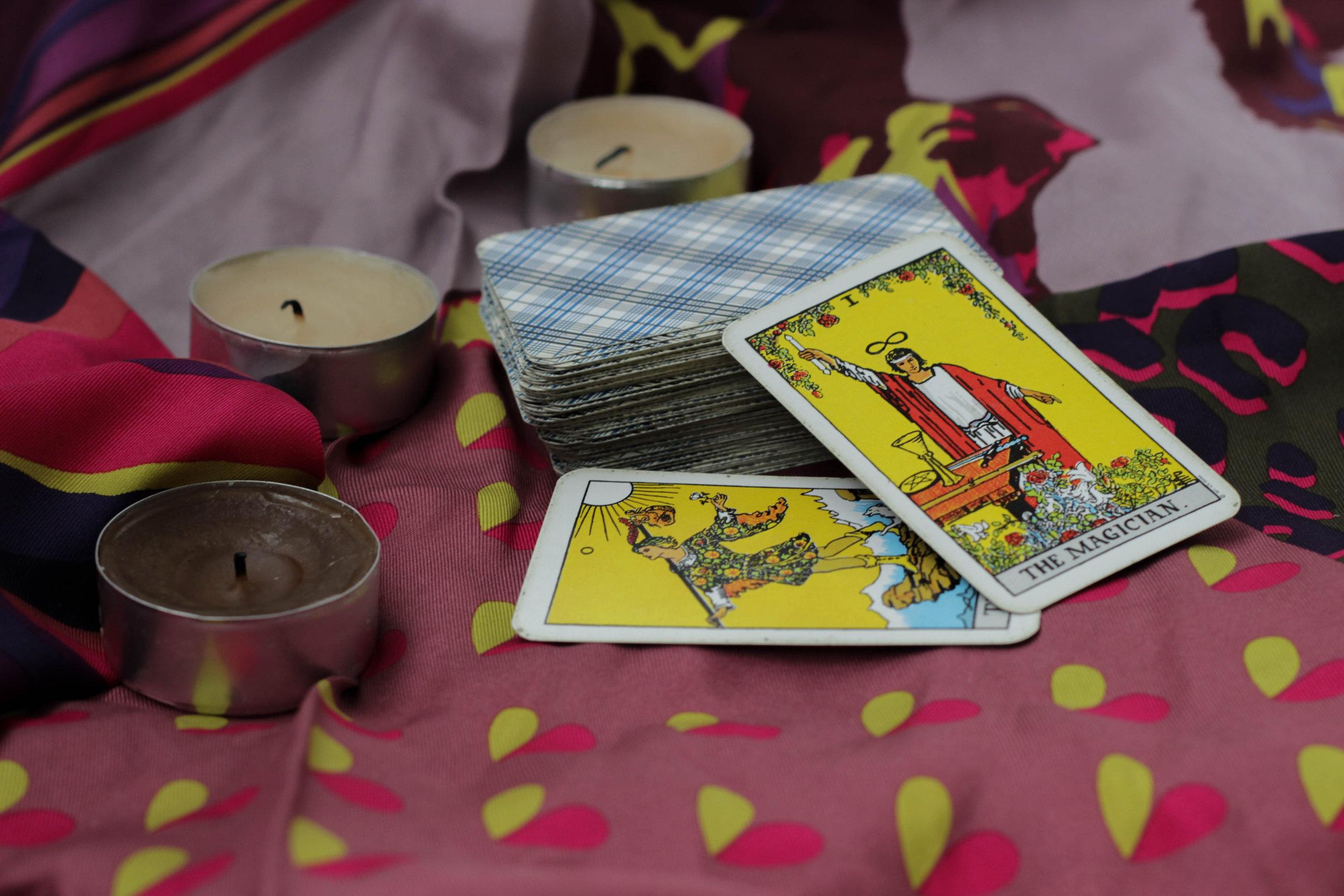 Taro cards