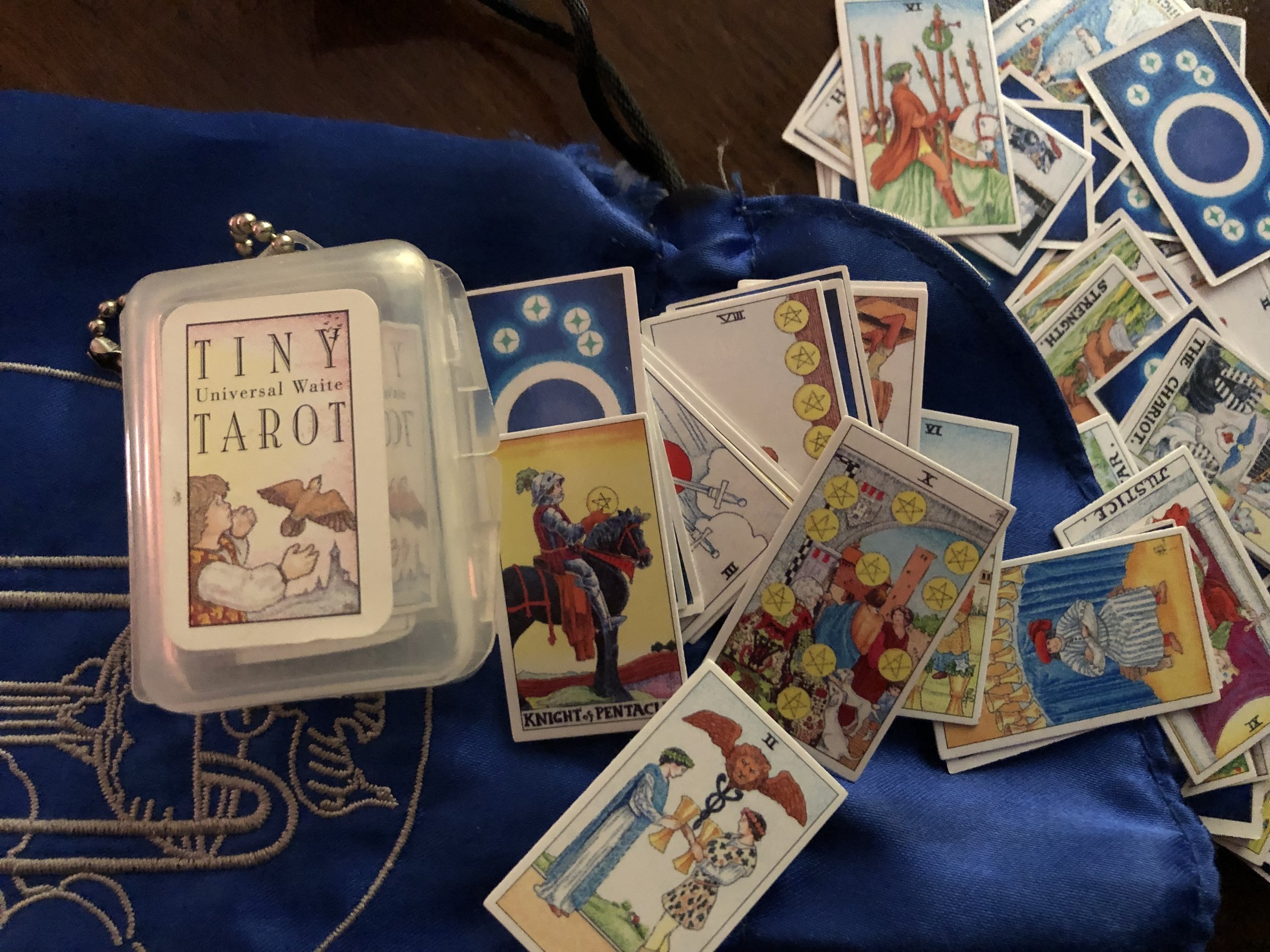 Big Love for Tiny Tarot -