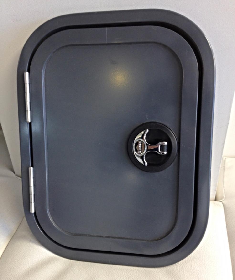 Cupboard door with Perko Latch
