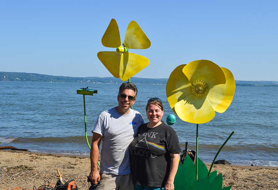Metal flowers by Lisa Irving and Danny Corigliano - 2