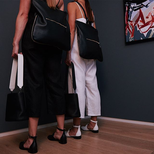 Our detachable straps can be used to mix and match our lunar bags and bucket bags. How will you remix yours to wear with our Morgan 3 in 1 backpack? The perfect accessory to take you through your work week. . . #mixandmatch #bucketbag #lunarbag #handbag #luxurybag #australianmade #handbag