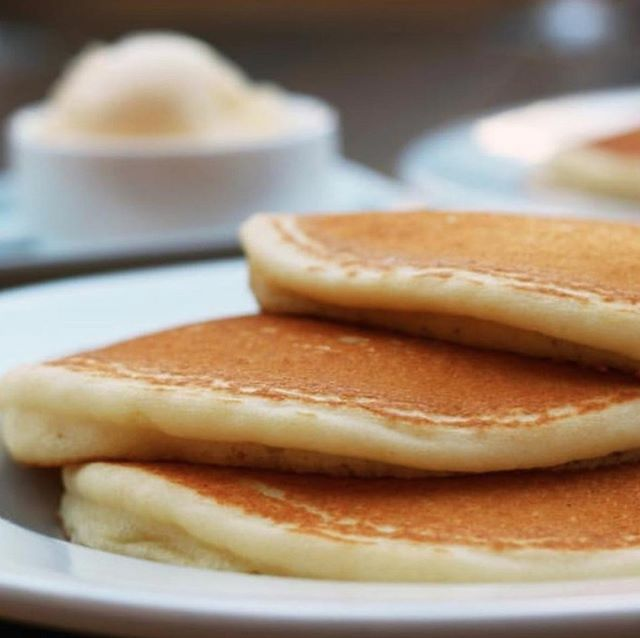 Huuuuuge thanks to @hippohighlandpark for supplying this year's pancakes for the MWE Pancake Breakfast! Make sure to fuel up before you start shopping! ⁣ #forthekids #mtwashingtonmade #nela #highlandpark #eaglerock #thingstodoinla #makersmovement #laartist #laevents #ladesign #lafashion #ladesigner #craftfair #handmade #shoplocalla #shopsmallla #madeinla #pancakesplease #hippohighlandpark