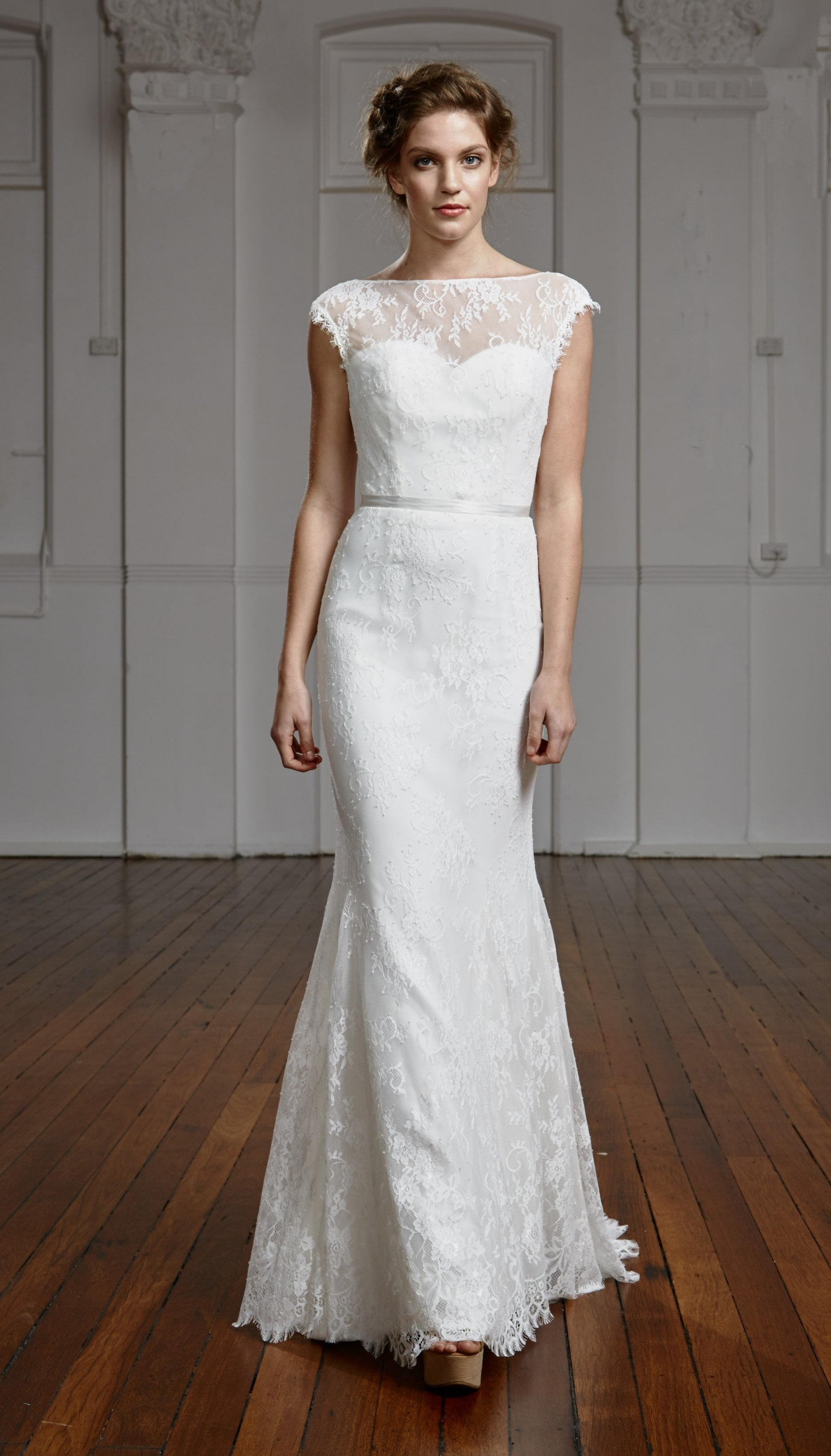 Delphina bridal gown Tanya Anic Photography Grant Sparkes-Carroll Makeup Liv Lundelius Accessories Purdy in Bloom