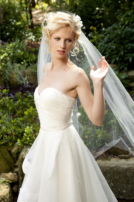 Fern bridal gown_Tanya Anic photography _ Luke Drew 1.jpg