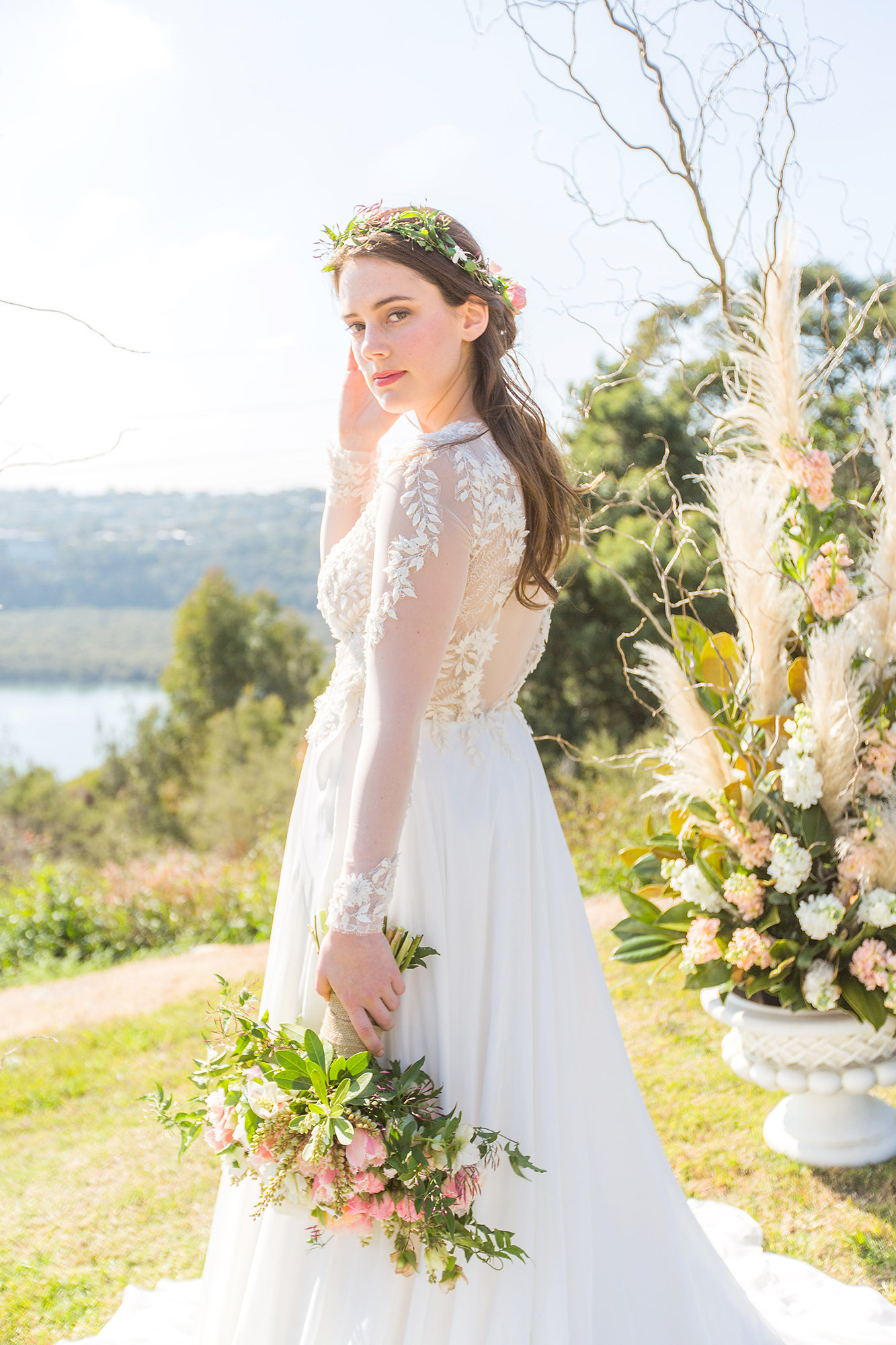 1willow gown tanya anic bridal photography lilelements modern wedding feature blog 3E3A0067.jpg