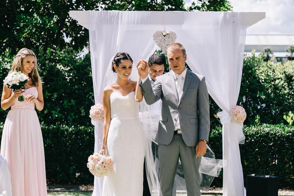 bridal gown tanya anichanah5.jpg