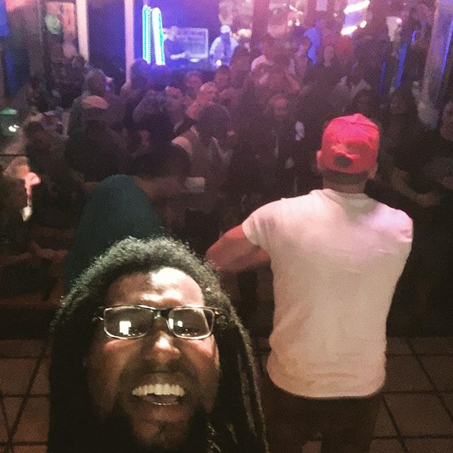 @elite_malik_rai  took a selfie w/ the crowd last night 😂😂😂 PEACE to everybody in the spot! Thank yall for your love and spirit. ✌🏾️