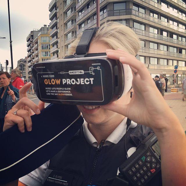 ja hoor het glowproject wordt ook ondersteund door onze veiligheidsdiensten #kneistival #radio_feelgood #VR