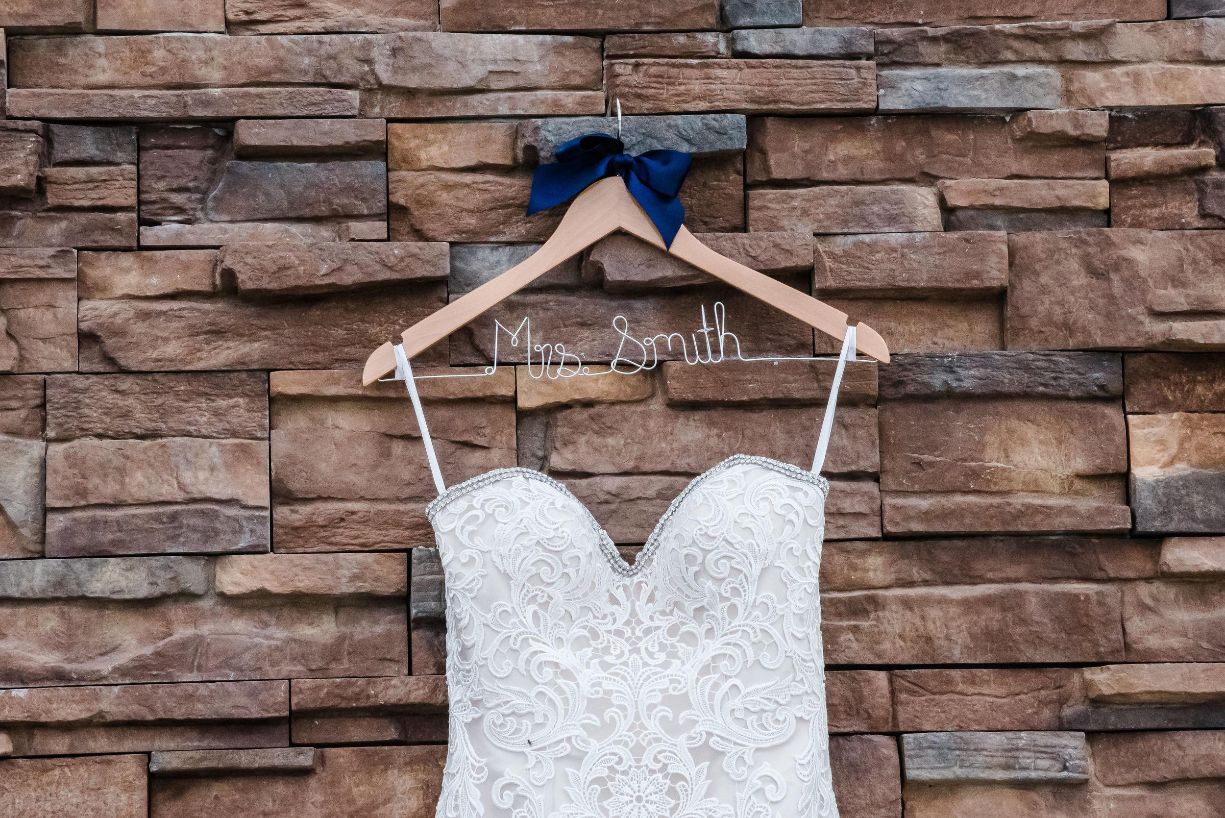 Layce and Brandon - Wedding - Bridal Prep and Details-12.jpg
