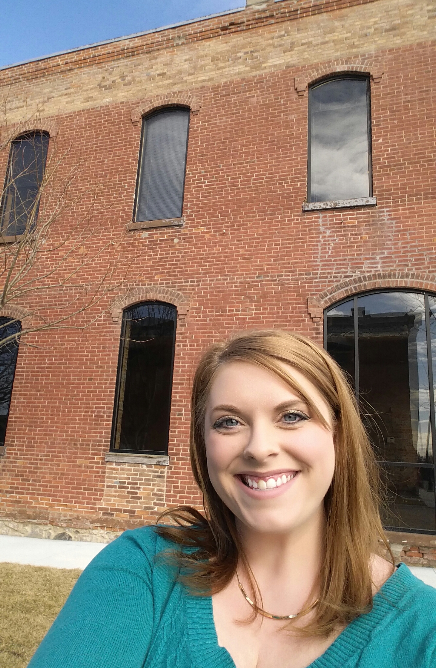 Selfie with the new studio!!  :-)  Just after signing the lease.  SO EXCITED for this new chapter with Laura Robinson Photography!