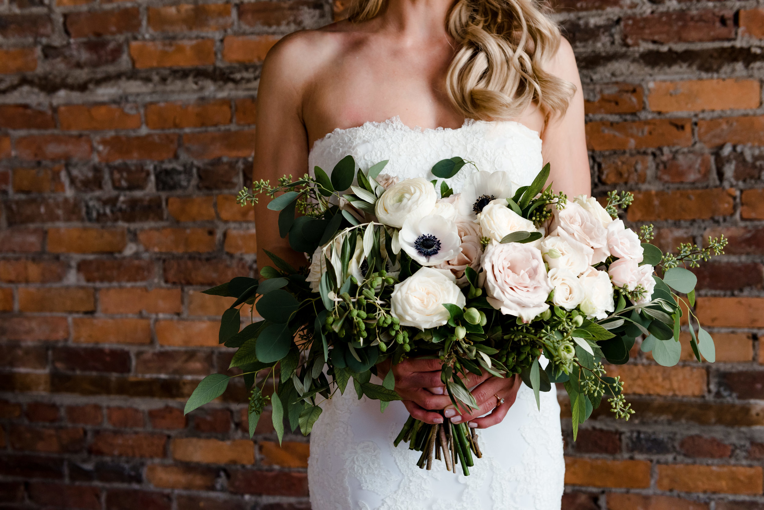 Kindred Blooms Organic Bridal Bouquet - Laura Robinson Photography