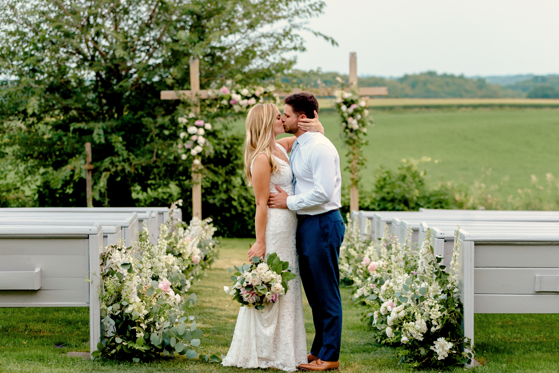 Legacy Hill Farm Wedding Photos - Romantic Wedding Photography MN - Bride and Groom Kiss - Studio Fleurette Florals