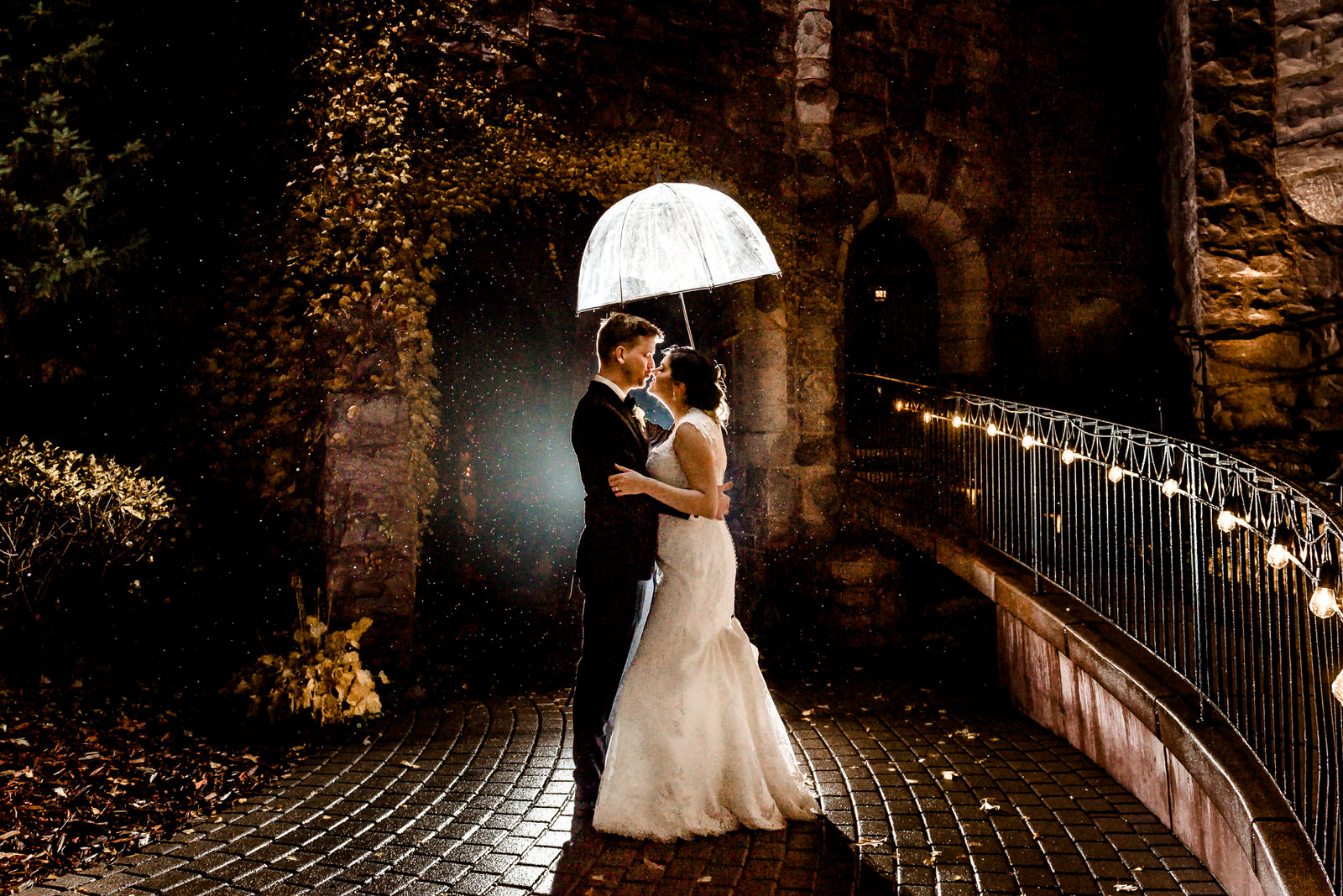 Romantic Wedding Photographer in Minneapolis - Van Dusen Mansion Wedding in the Rain