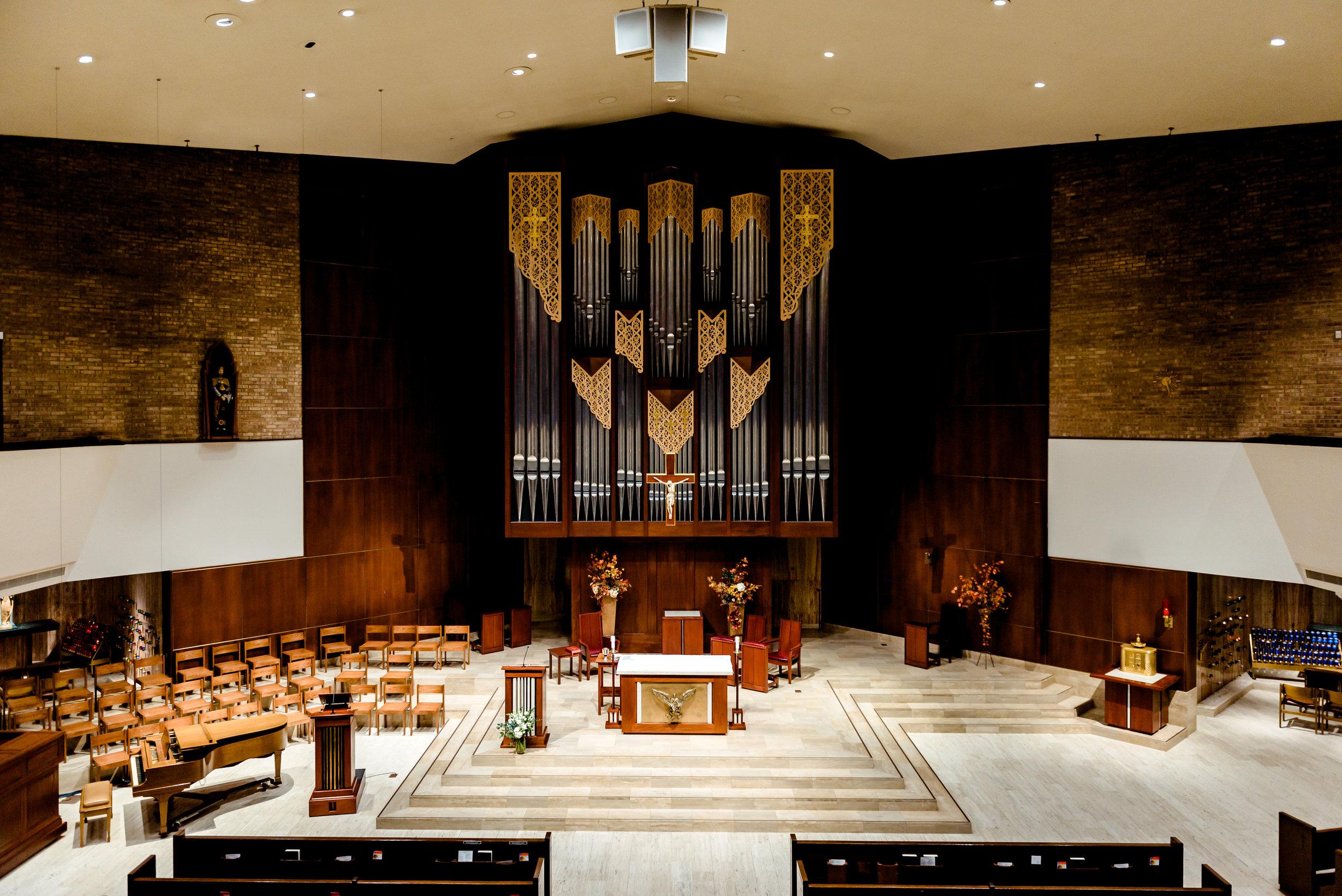 St. Olaf Catholic Church in Downtown Minneapolis MN - Minneapolis Wedding Photographer