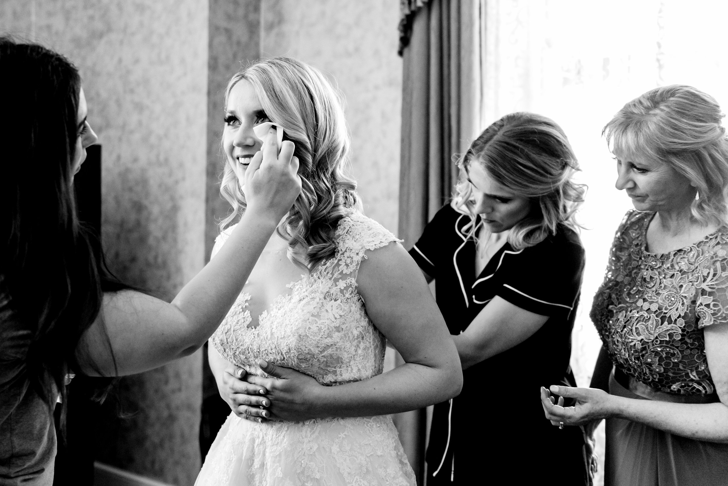 The Depot Renaissance Hotel Wedding - Bride Getting Ready - Minneapolis Romantic Wedding Photographer