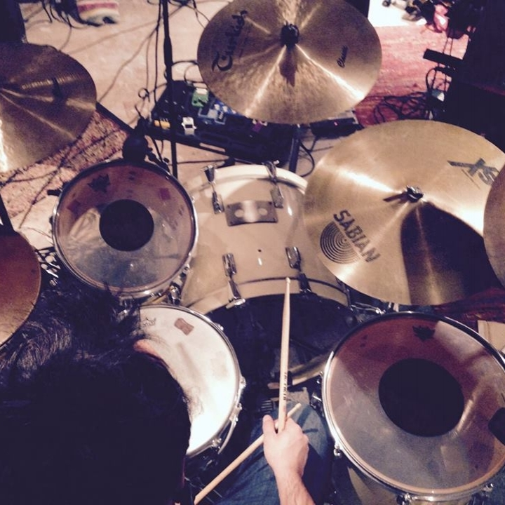 enregistrer 4 titres - réaliser sa demo ou epla journée de prise live, edition, mixage, pré-masteringCONTACTEZ NOUS