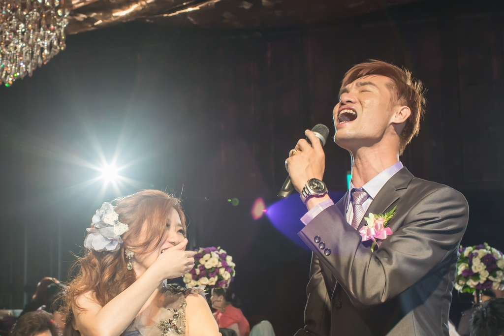 婚禮攝影: Liang & Fen @ 台北君品酒店 PALAIS de CHINE 平面婚攝: Ray Wang + L. 婚禮主持: 林沂萱 新秘: 婕米, 婕媛美學  Wedding Photographers: LINCHPIN M. Location: PALAIS de CHINE HOTEL, Taipei, Taiwan Wedding Host: Amy Lin, Two in One Make-up Artist: Jamie Wu Groom& Bride: Liang & Fen