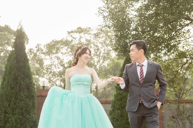 婚禮攝影: C.C. +S.Y.@ 桃園龍潭儷宴  平面婚攝: Ray Wang + Eden Jia + L.   Wedding Photographer:LINCHPIN M. Location: LIYAN Banquet Hall,Taoyuan, Taiwan Groom & Bride: C.C. +S.Y.