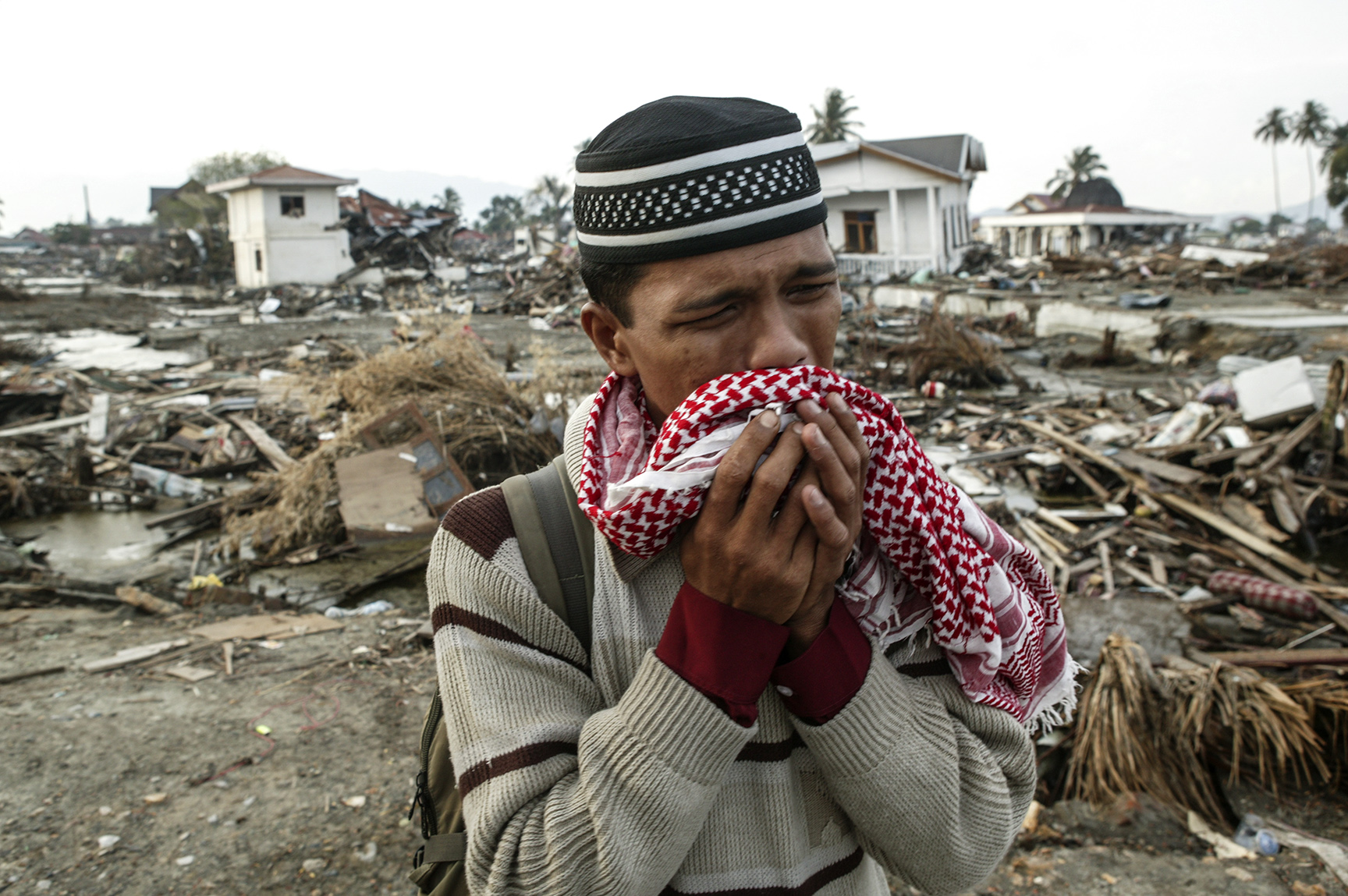 160,000 lost their lives in Banda Aceh and more than 60% of the city's buildings were destroyed.