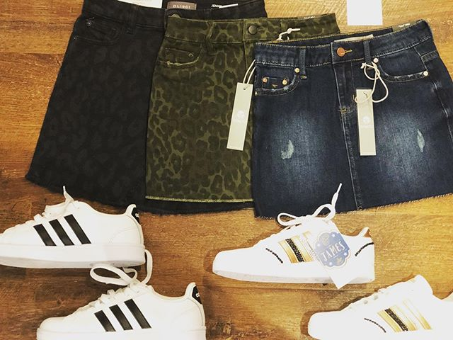 🖤 love it wear it 🖤 we are crazy about these fall minis ... (apparently you guys are too) #style #backtoschool . . . . . #tweenlife #positivestyle  #stylefix #tweenfashion #tweenmodel #style #ridgefieldct #northsalemny #jjms #poundridge #somersny #katonah #katonahchamberofcommerce #bedford #bedfordny #armonkmoms #armonk #chappaqua #chappaquamoms @dl1961denim #westchestersbestkidsstore @jillybeancreationsbling @adidasoriginals @tractrjeans #tweenboutique #westchestermoms #nycmom #coolmom #katonahlife #914 #fun #katonahlife @katonahchamber