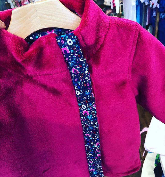 ❤️ One of our most favorite fall (winter or spring) ultra soft velveteen fleece jackets is back in stock ! Baby to size 6 #backtoschool #fallshopping . . . . . . #kidstyle #givegood #giftconcierge #trendykids #katonah #katonahchamberofcommerce #bedford #bedfordny #ridgefieldct #poundridge #northsalemny @merrimanekids #armonk #armonkmoms #chappaqua #chappaquamoms #nycmom #westchestersbestkidsstore  #westchestermoms @stoopher  #westchesterkids #westchestermagazine #westchesterwithkids @katonahchamber #katonahlife #914 #toddlerfashion #momlife