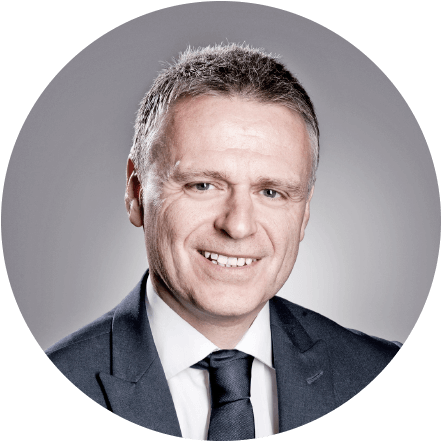 Simon Thornton - Simon has over 25 years experience in Financial Services working with both Private and Corporate clients.