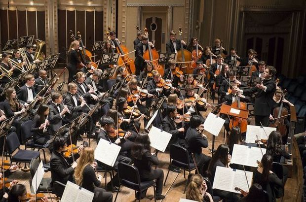 Brett Mitchell leads the Cleveland Orchestra Youth Orchestra at Severance Hall. (Photo by Roger Mastroianni)