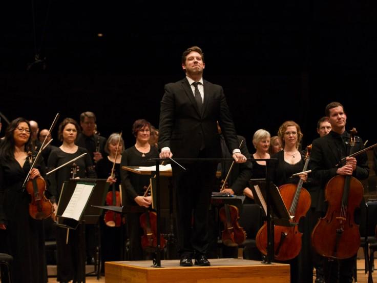Music Director Brett Mitchell and the Colorado Symphony. (Photo by Brandon Marshall)