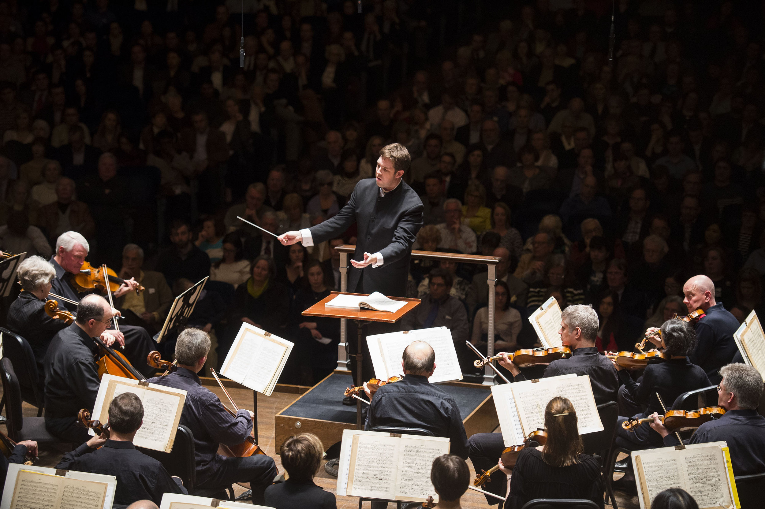 Brett Mitchell conducts The Cleveland Orchestra at Severance Hall. (Photo by Roger Mastroianni)