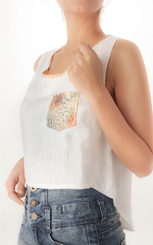 CROP TOP   This casual high low crop top, with a contrast pocket in our 'Abstract Floral' print is light and comfortable. Made from 100% European Linen, can be machine washed.  Code : 012HLCT