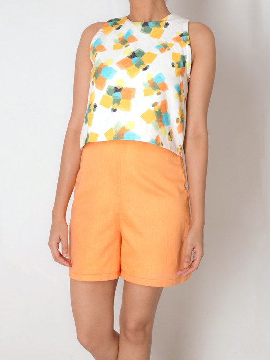 PLAYSUIT   This fun piece is perfect for the summer! The 'Geometric Butterflies 'print dawns the front and portions of the back. The orange bottom compliments the aesthetic of the print, and completes the piece. Made from 100% Cotton Linen and Twill.  Code : 0012JPSO