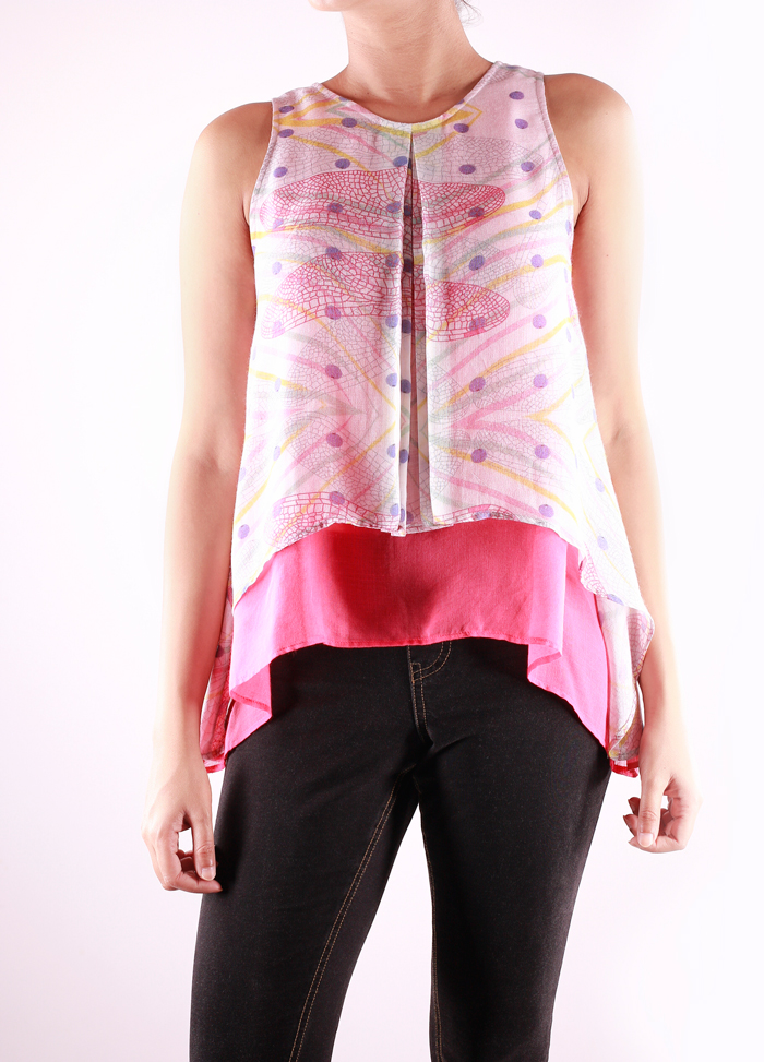 SLEEVELESS LAYERED TOP   Inspired by the statement crop, this top is super light and comfortable. It comes in the 'Blueberry Wings' print and is paired with cherry pink. Made from 100% Modal.  Code : 0045ST