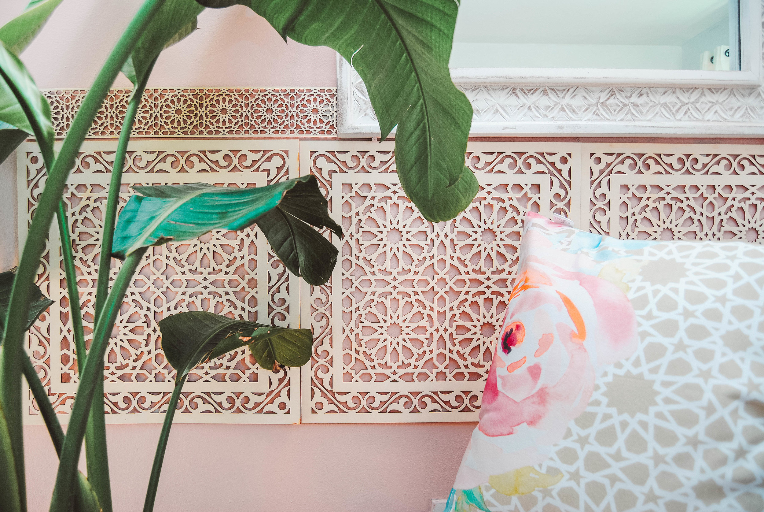 Arabesque Moroccan Accent Wall- Karama by Hoda- Moroccan Pink Salmon Wall