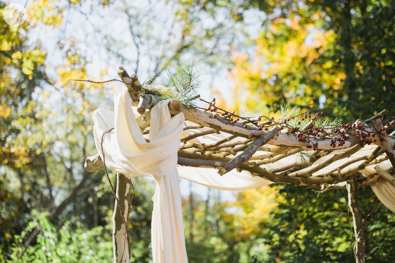 Outdoor-Wedding-in-the-Woods-Photography_4234.jpg
