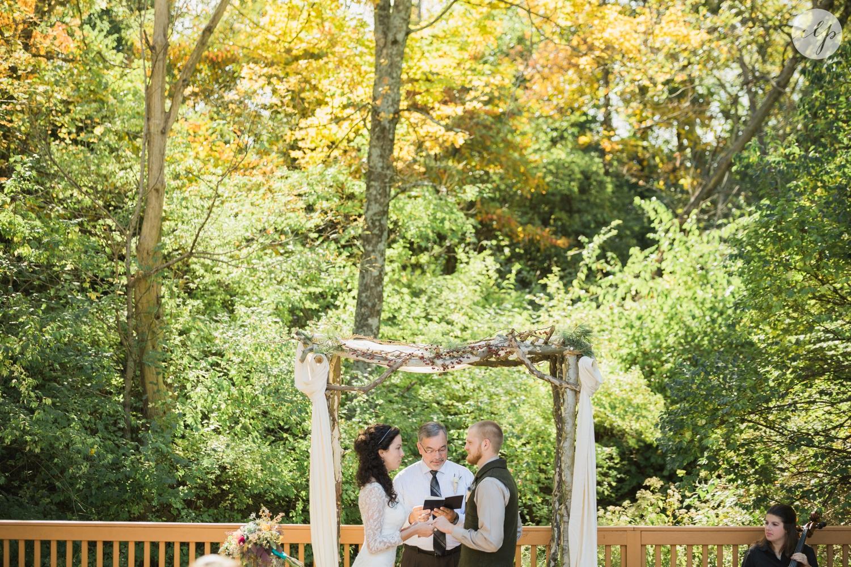 Outdoor-Wedding-in-the-Woods-Photography_4255.jpg