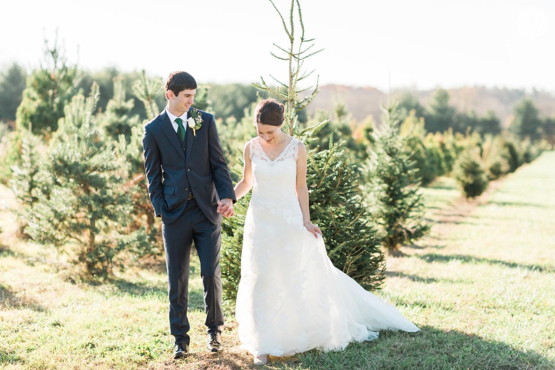 winter-barn-wedding-canopy-creek-farm-ohio_5340.jpg