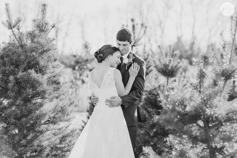 winter-barn-wedding-canopy-creek-farm-ohio_5356.jpg