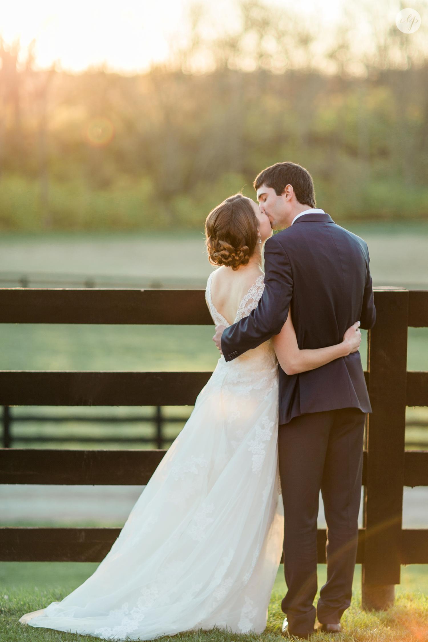winter-barn-wedding-canopy-creek-farm-ohio_5393.jpg